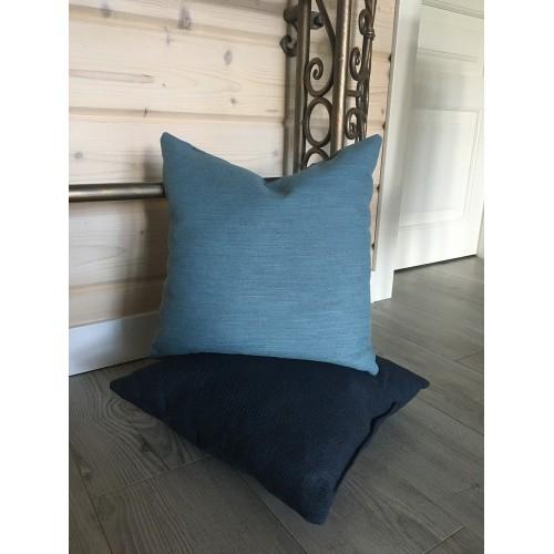 Подушка декоративна голуба